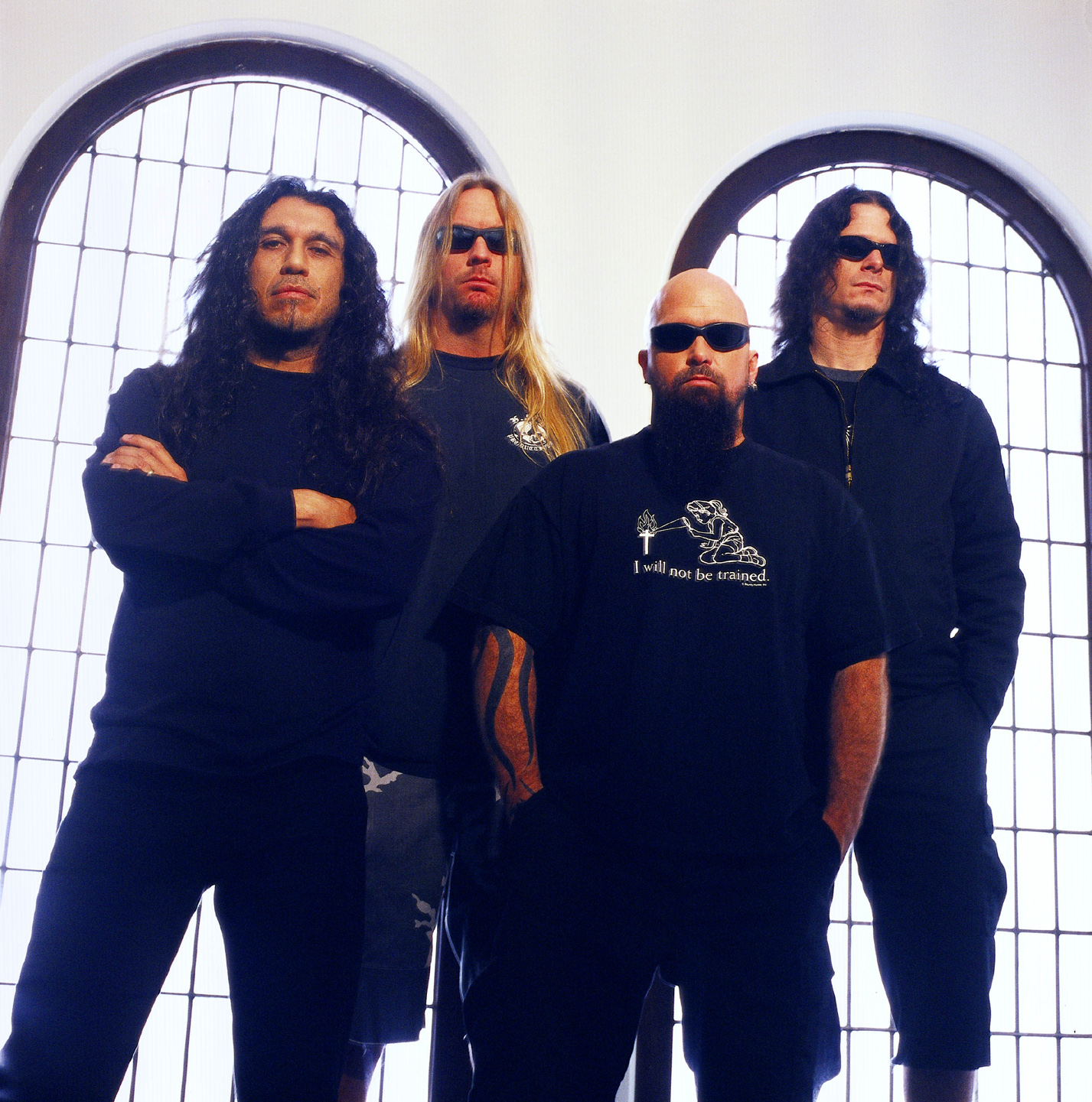 http://images.metalirium.com/news/2006/oktober/slayer.jpg
